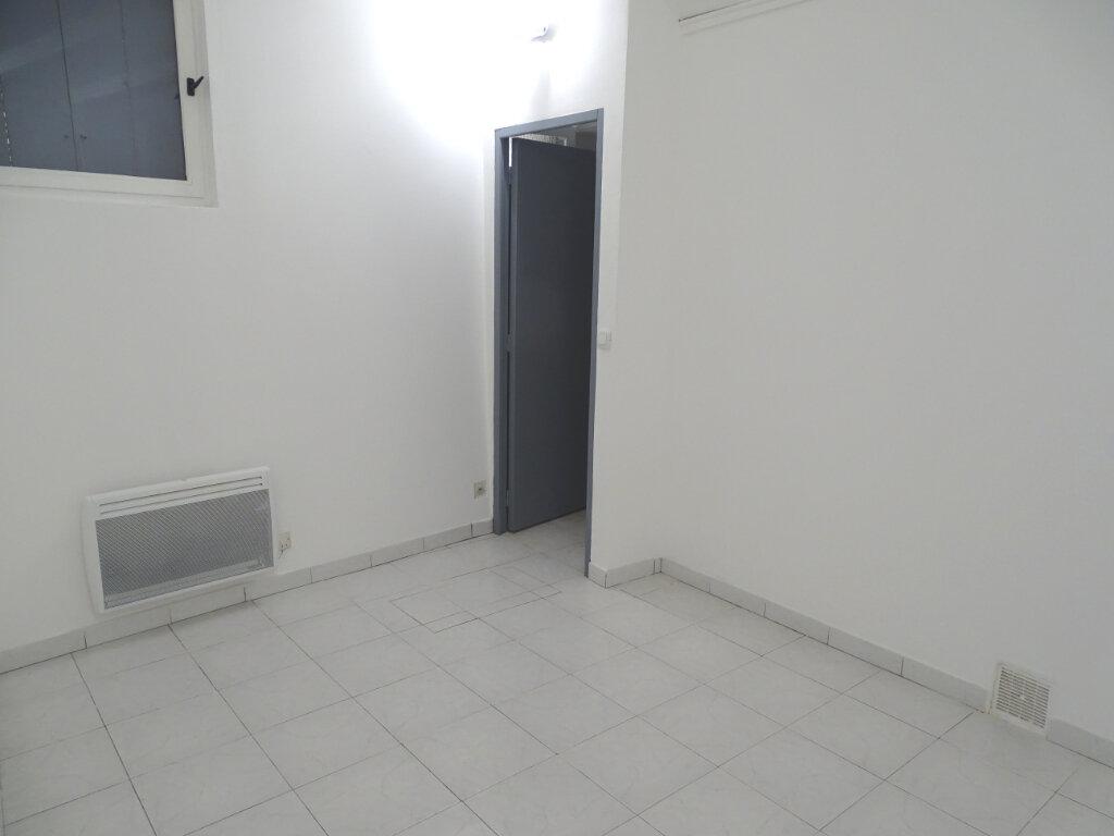 Appartement à louer 2 34m2 à Cadenet vignette-3