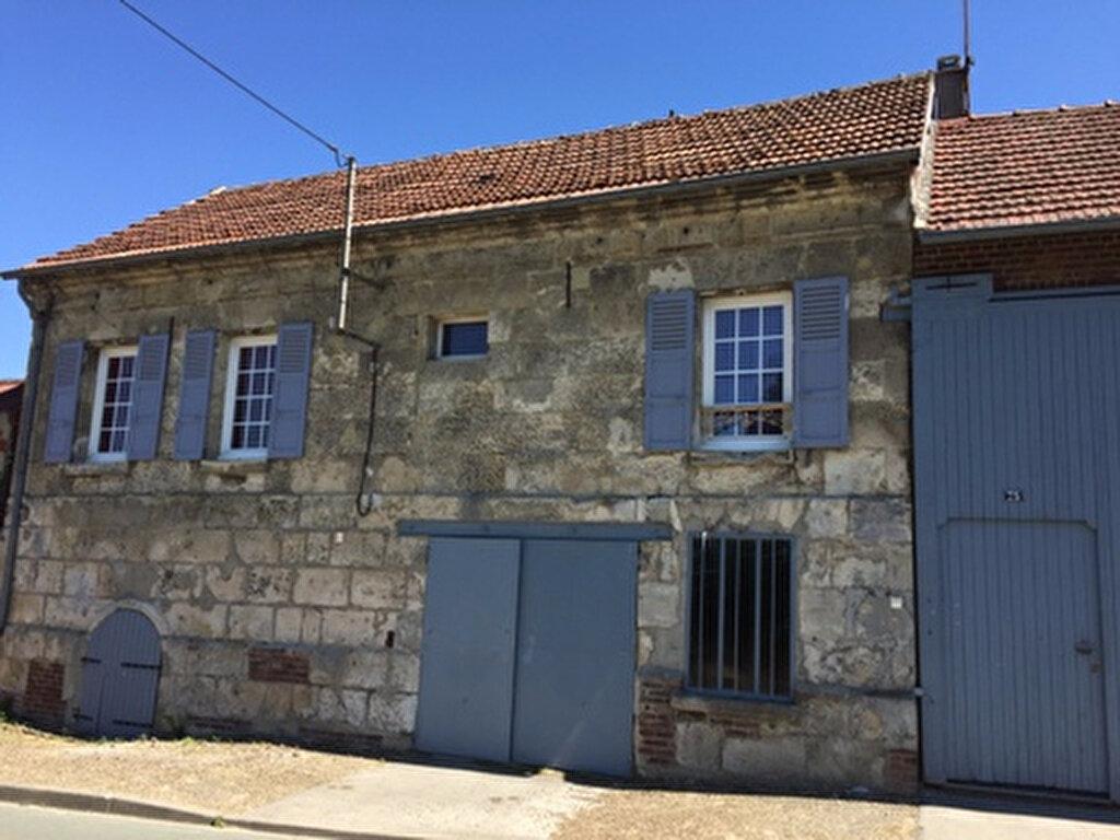 Maison à louer 5 108m2 à Thiescourt vignette-1