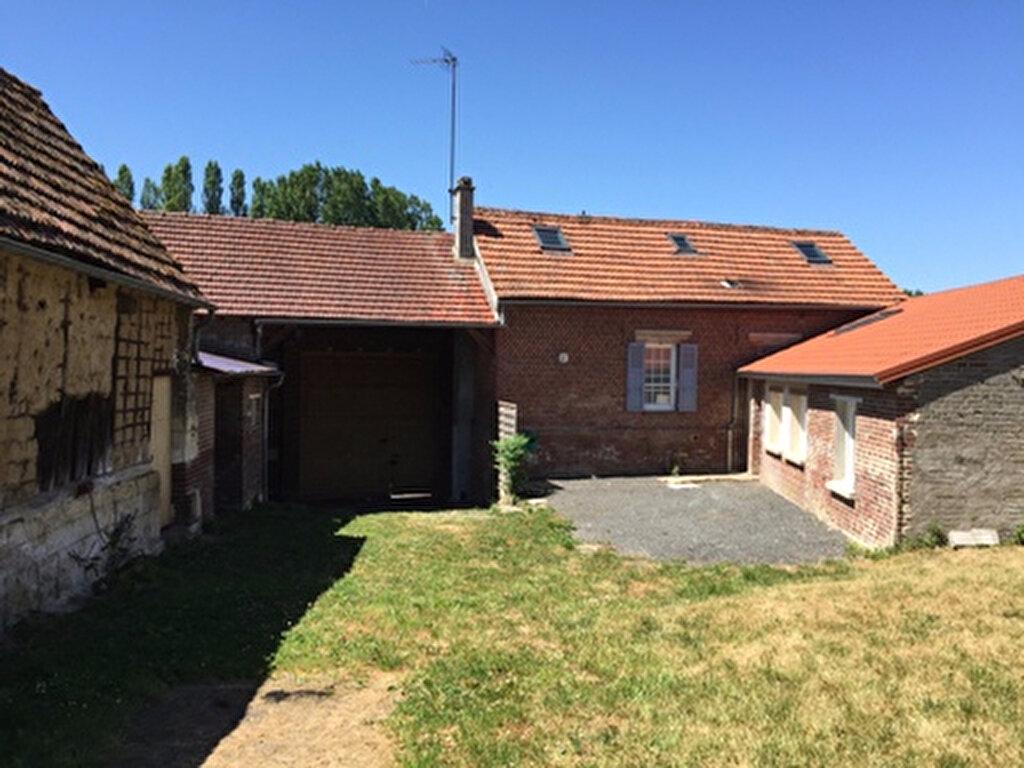 Maison à louer 5 108m2 à Thiescourt vignette-2