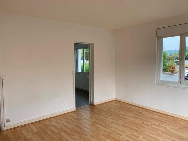 Appartement à louer 1 39m2 à Vic-sur-Aisne vignette-2