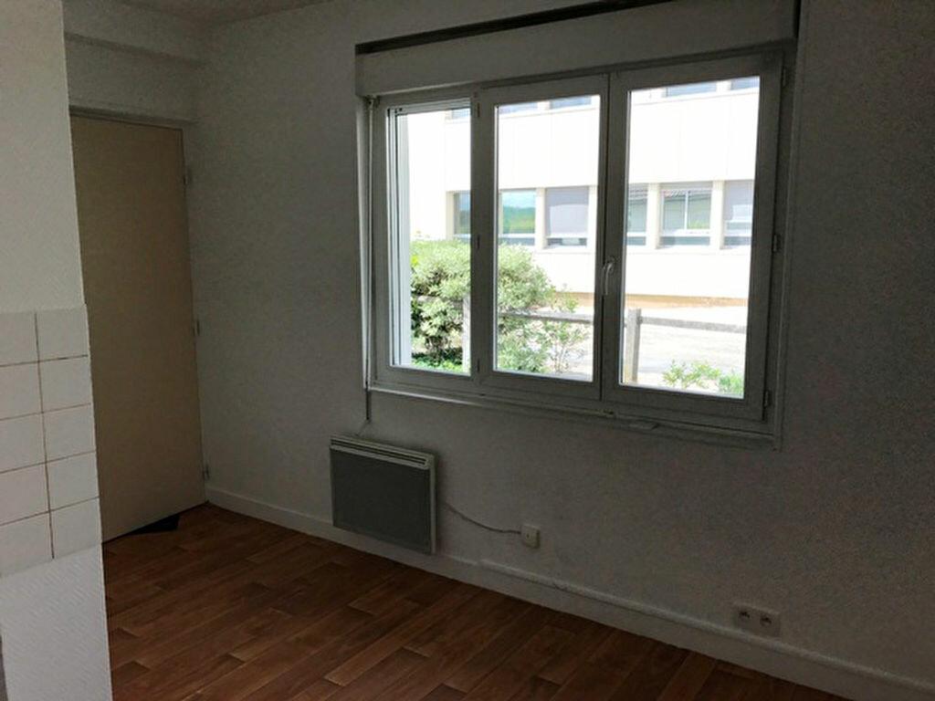 Appartement à louer 1 28.07m2 à Vic-sur-Aisne vignette-5