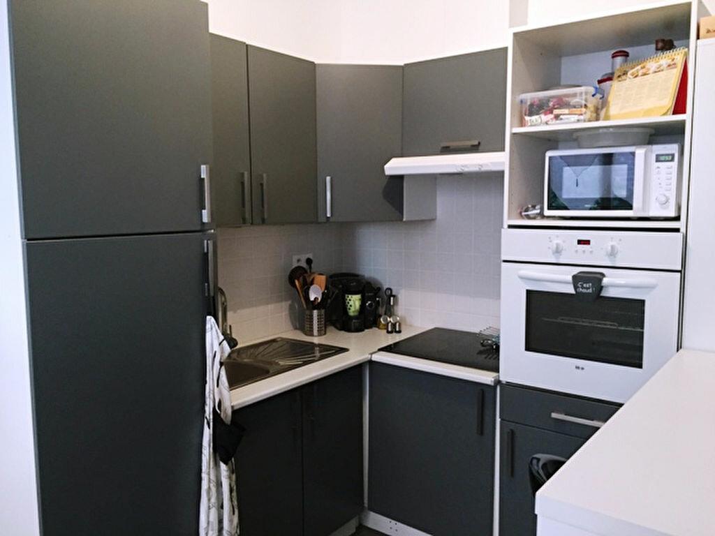 Appartement à louer 2 41m2 à Roye vignette-1