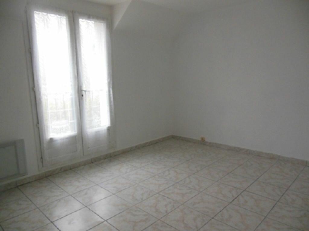 Maison à louer 3 70m2 à Roiglise vignette-3