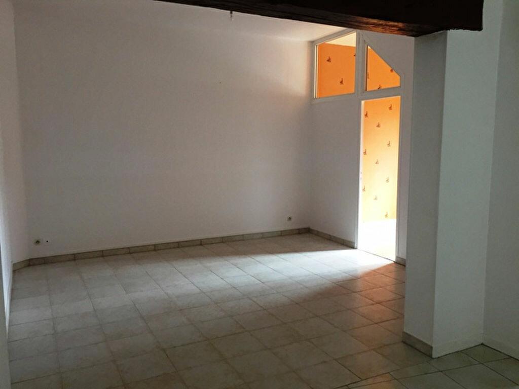 Appartement à louer 3 56m2 à Lassigny vignette-2
