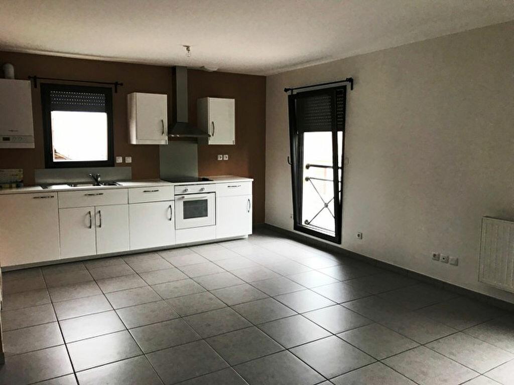 Appartement à louer 4 74m2 à Roye vignette-3