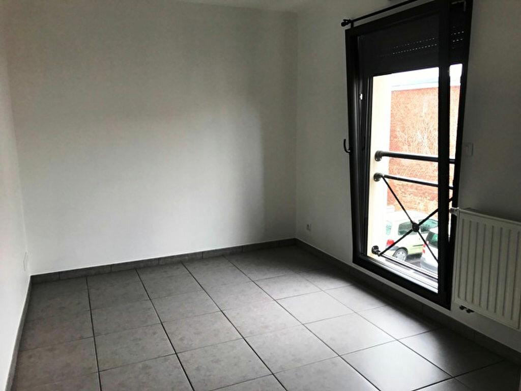 Appartement à louer 4 74m2 à Roye vignette-4