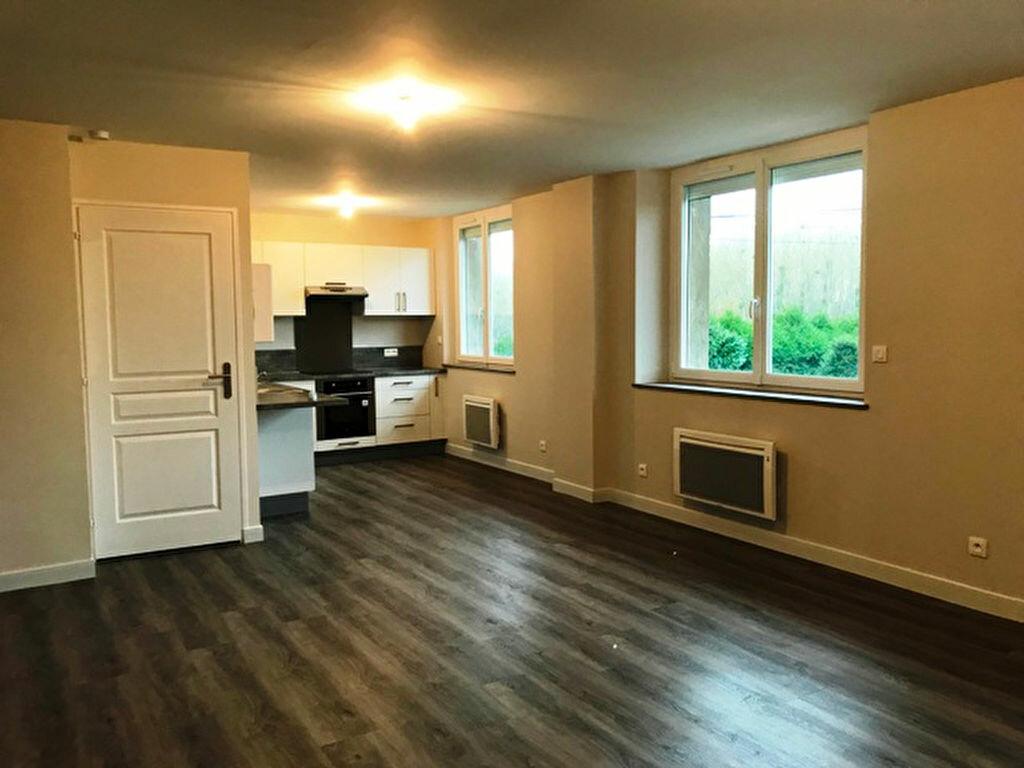 Appartement à louer 3 64m2 à Laberlière vignette-1