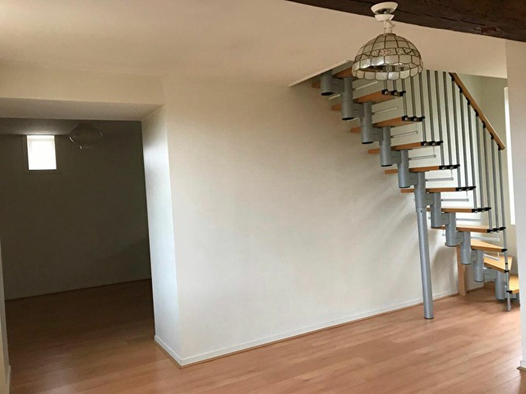 Appartement à louer 3 62m2 à Monchy-Humières vignette-1
