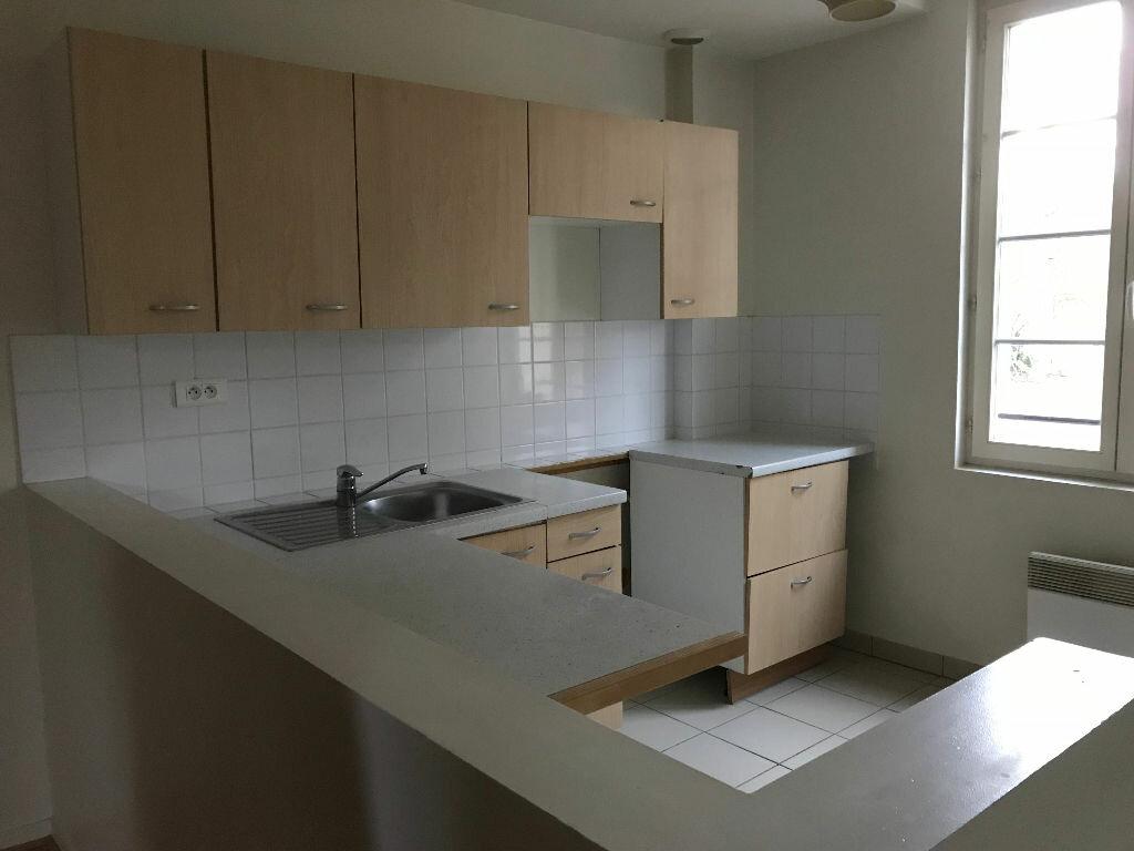 Appartement à louer 3 62m2 à Monchy-Humières vignette-2