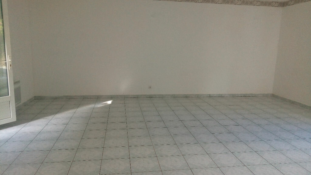 Maison à louer 6 132.24m2 à Roiglise vignette-2