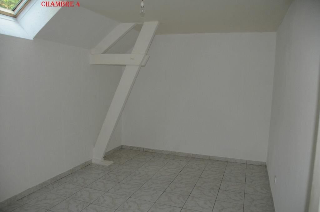 Maison à louer 6 132.24m2 à Roiglise vignette-7