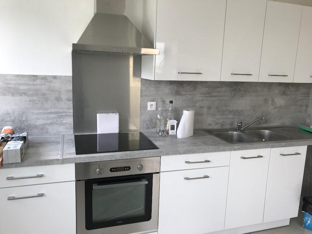 Maison à louer 3 93.3m2 à Monchy-Humières vignette-1