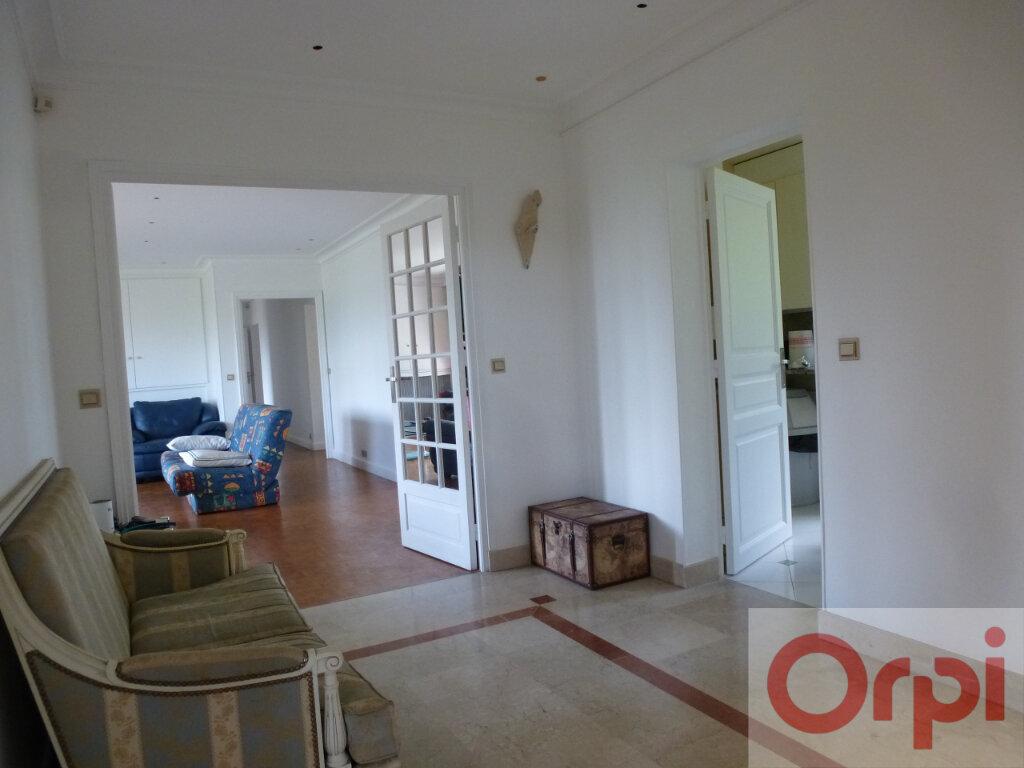 Appartement à vendre 5 156.02m2 à Chantilly vignette-1