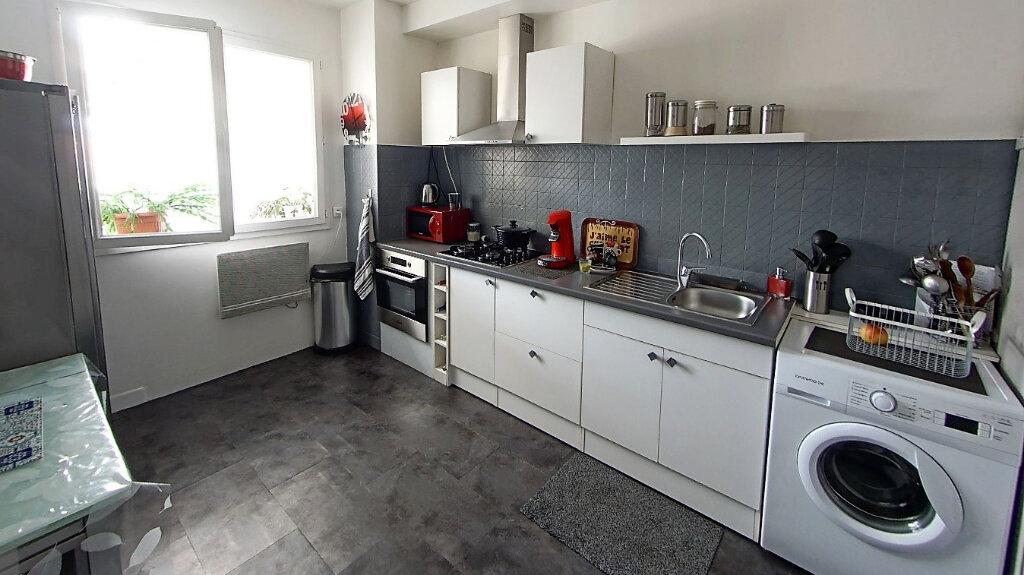 Appartement à vendre 4 88.7m2 à Domont vignette-4