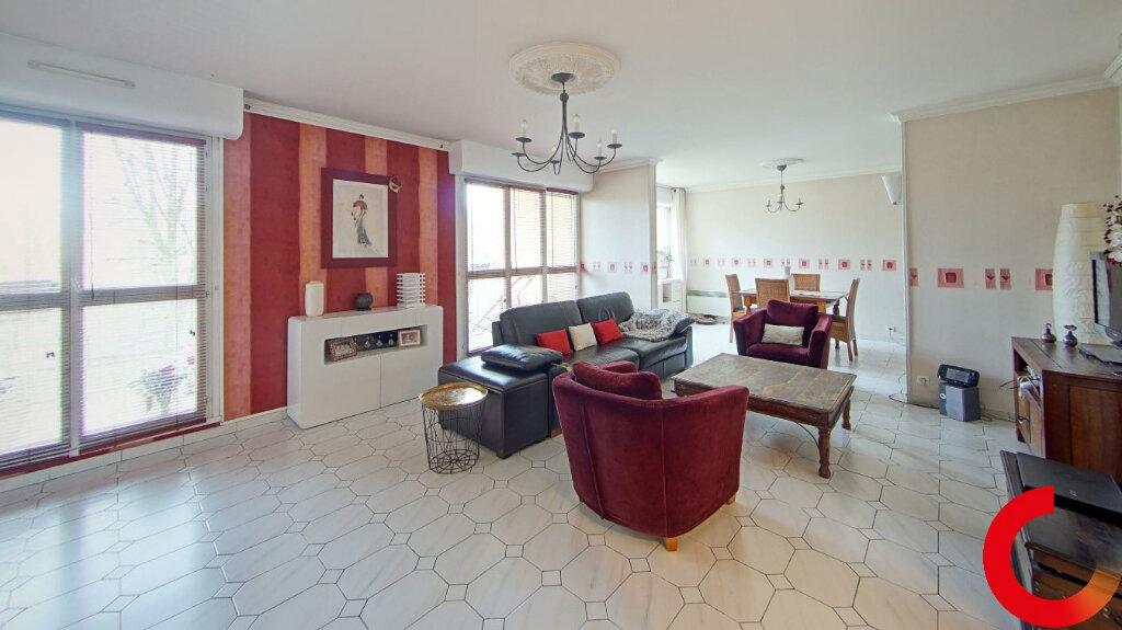 Appartement à vendre 5 104m2 à Ézanville vignette-1