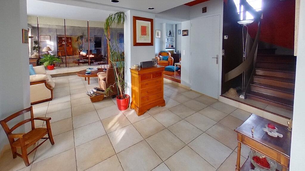 Maison à vendre 8 210m2 à Domont vignette-3