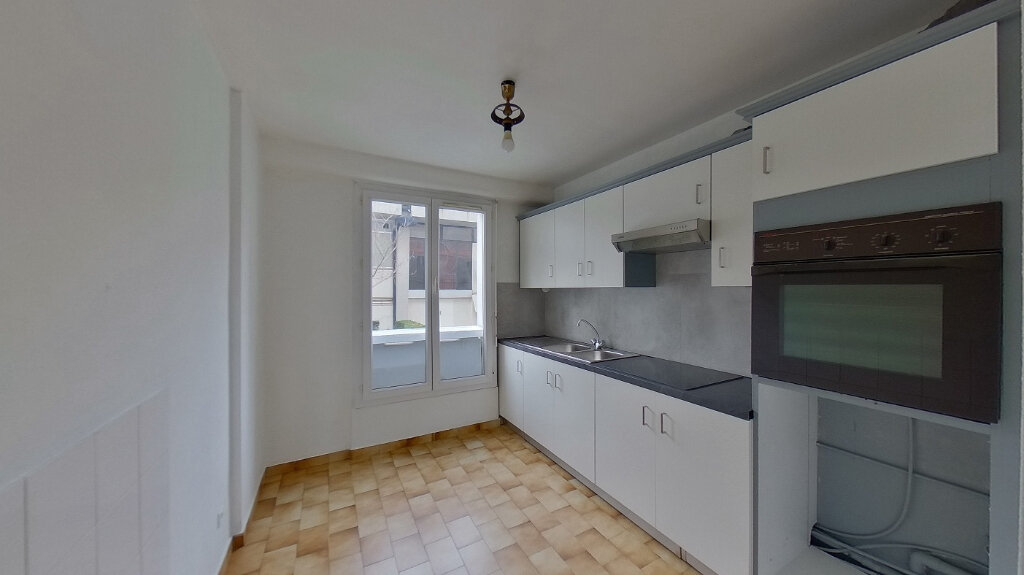 Appartement à louer 4 78.04m2 à Saint-Gratien vignette-3