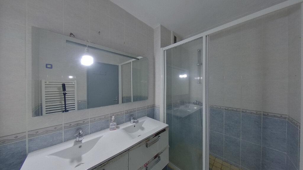 Appartement à louer 4 78.04m2 à Saint-Gratien vignette-4
