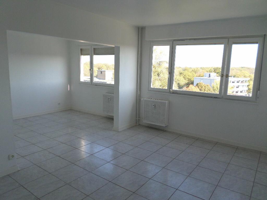Appartement à louer 4 73.06m2 à Kingersheim vignette-1