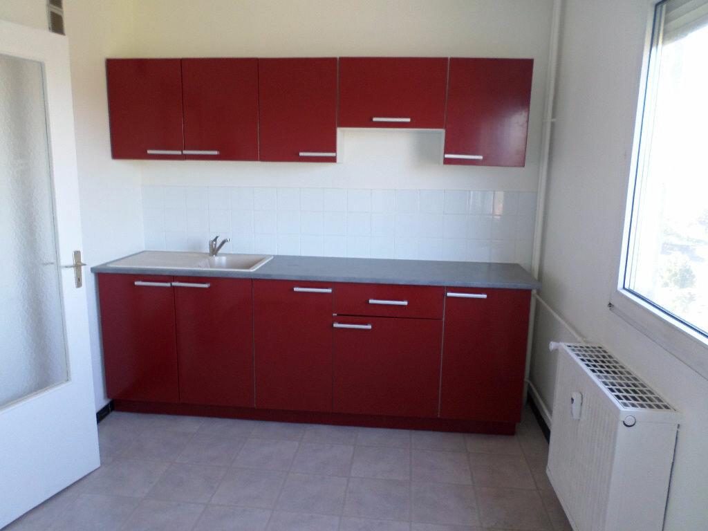 Appartement à louer 4 73.06m2 à Kingersheim vignette-4