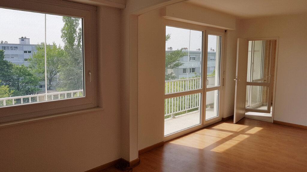 Appartement à vendre 4 75.34m2 à Illzach vignette-1