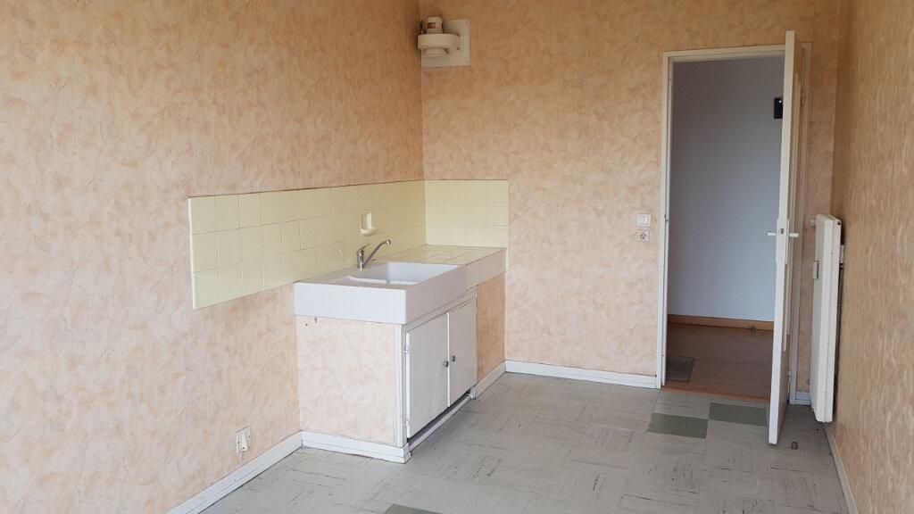 Appartement à vendre 4 75.34m2 à Illzach vignette-2