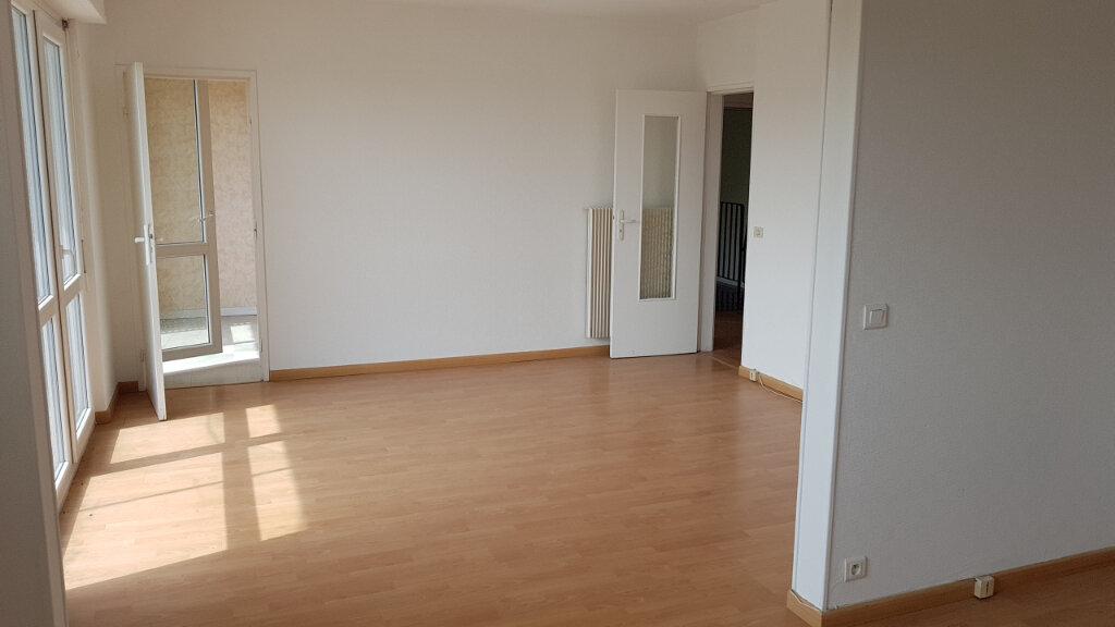 Appartement à vendre 4 75.34m2 à Illzach vignette-3