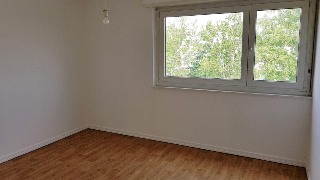 Appartement à vendre 4 75.34m2 à Illzach vignette-6
