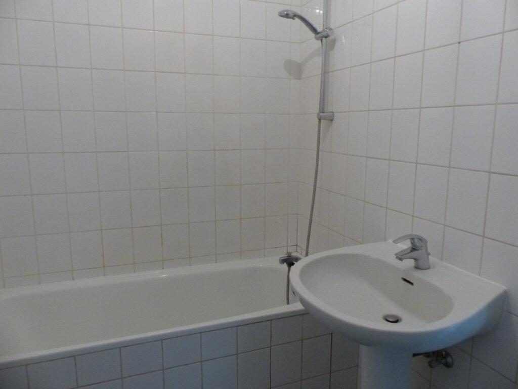 Appartement à louer 3 72.28m2 à Kingersheim vignette-4