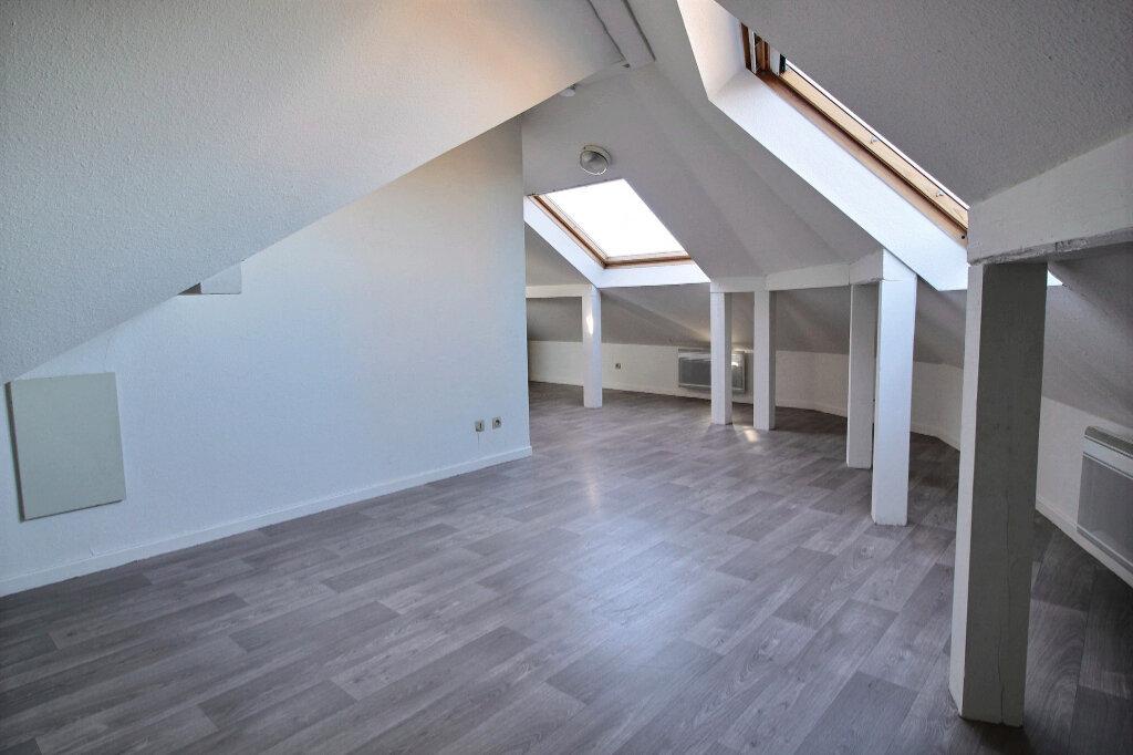 Appartement à louer 1 16.3m2 à Kingersheim vignette-1