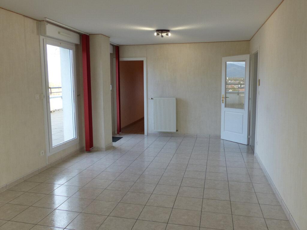 Appartement à louer 4 93m2 à Pfastatt vignette-3