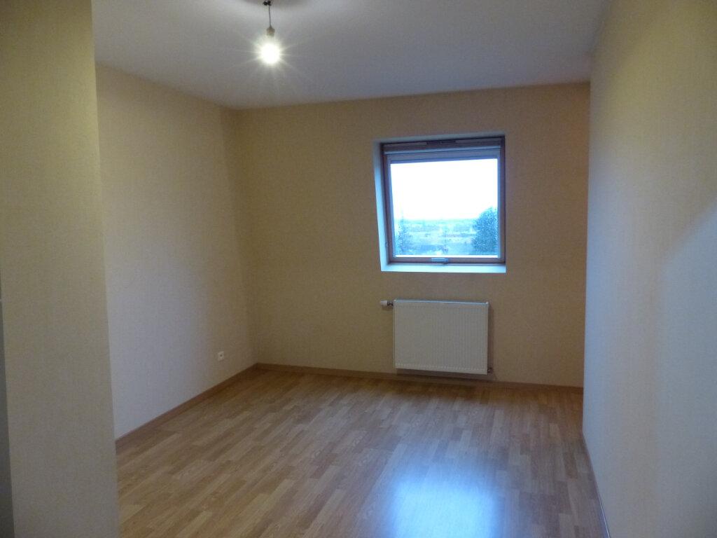 Appartement à louer 4 93m2 à Pfastatt vignette-8