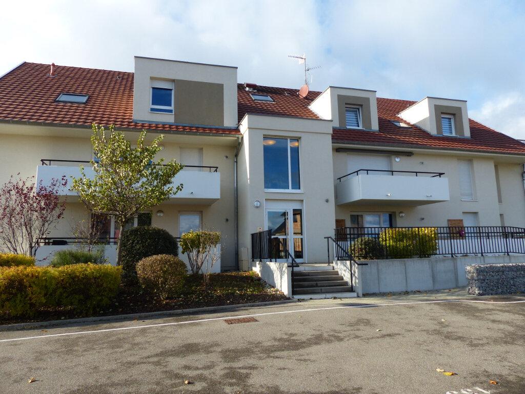 Appartement à louer 3 68.42m2 à Wittelsheim vignette-1