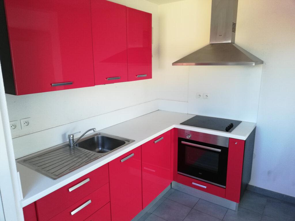Appartement à louer 3 68.42m2 à Wittelsheim vignette-3