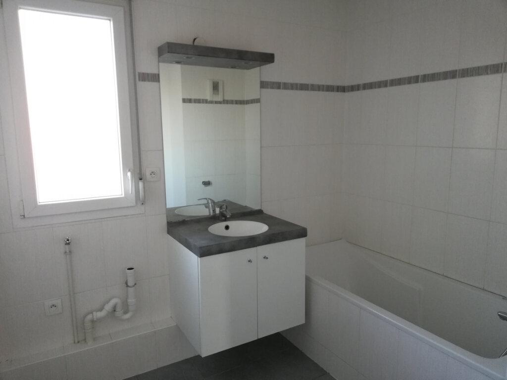 Appartement à louer 3 68.42m2 à Wittelsheim vignette-6