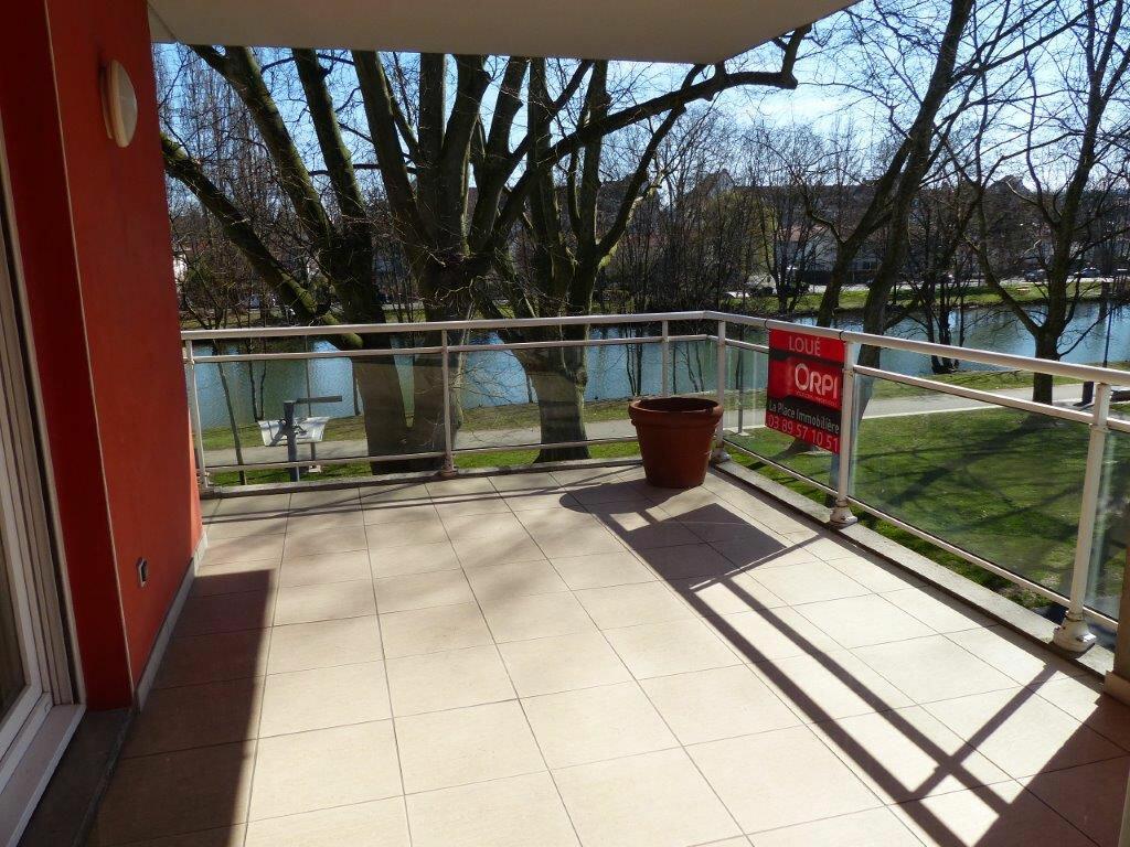 Appartement à louer 5 127m2 à Mulhouse vignette-1