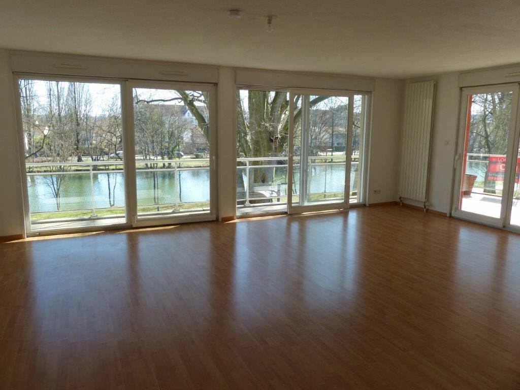 Appartement à louer 5 127m2 à Mulhouse vignette-2