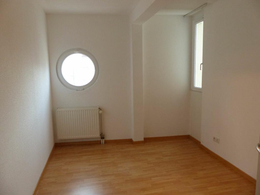Appartement à louer 5 127m2 à Mulhouse vignette-6