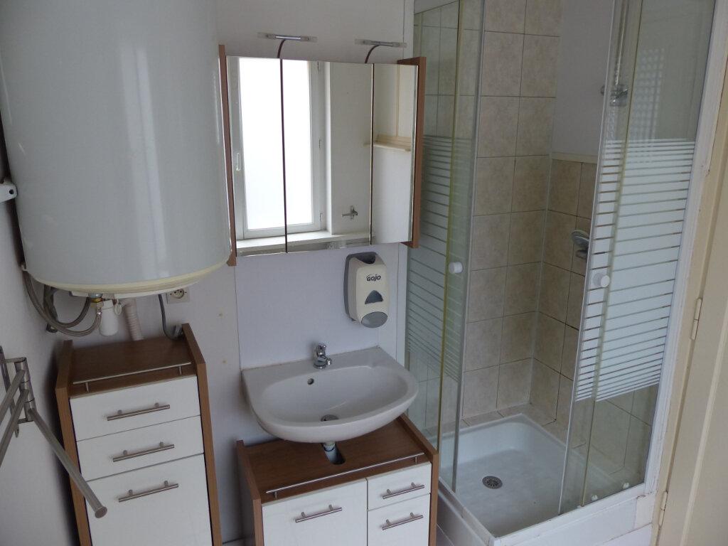 Appartement à louer 3 68m2 à Mulhouse vignette-3