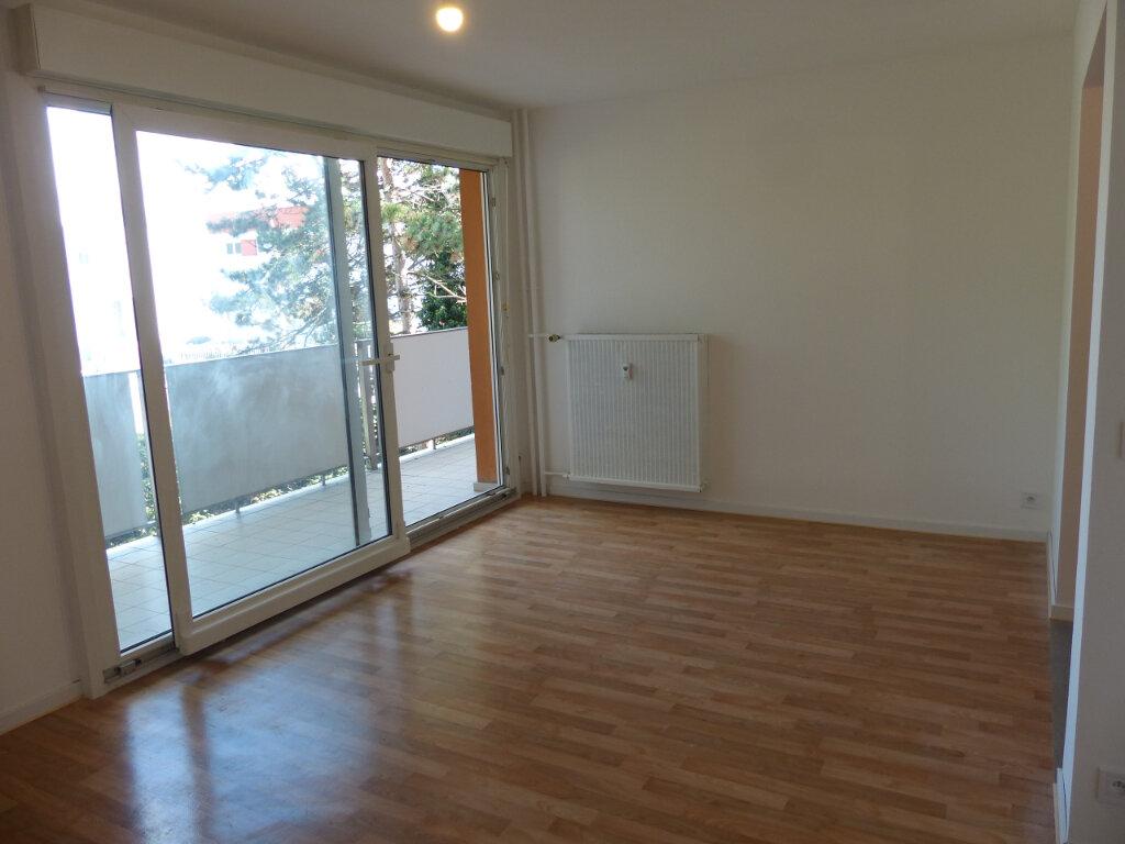 Appartement à louer 2 59.4m2 à Rixheim vignette-3