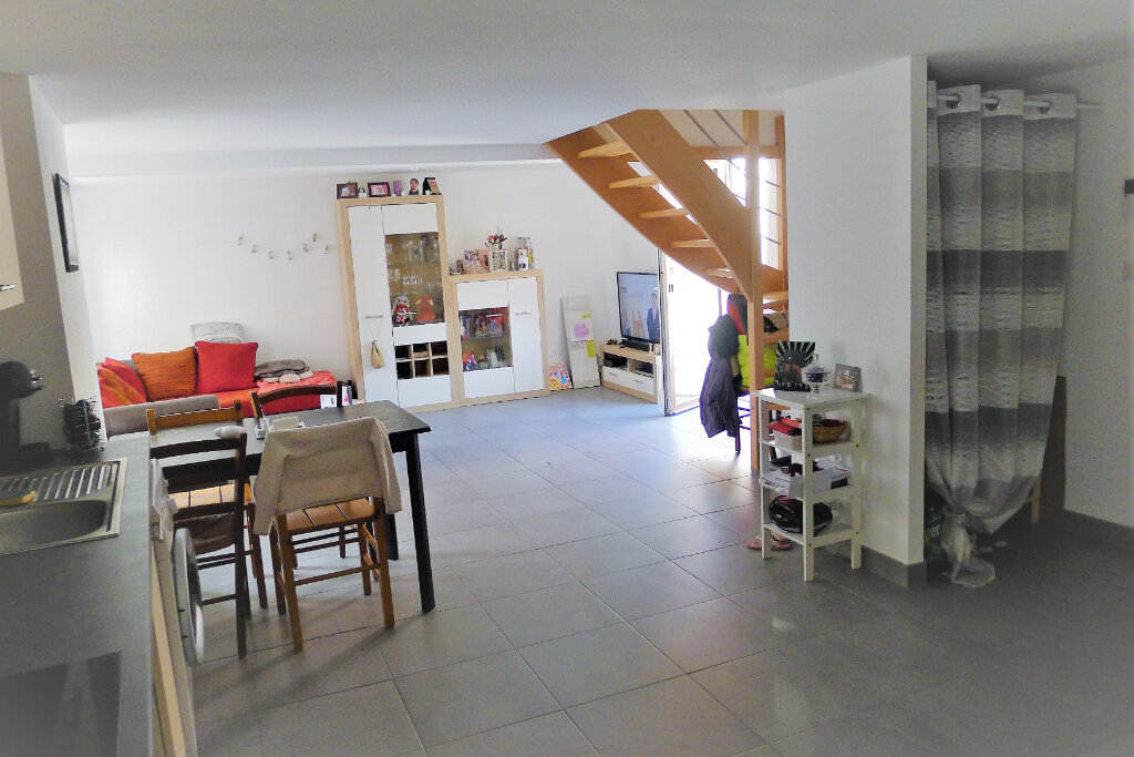Appartement à louer 3 57.3m2 à Guebwiller vignette-1