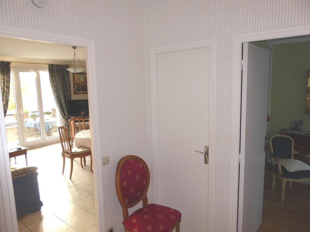 Appartement à vendre 2 53m2 à Clermont-Ferrand vignette-2