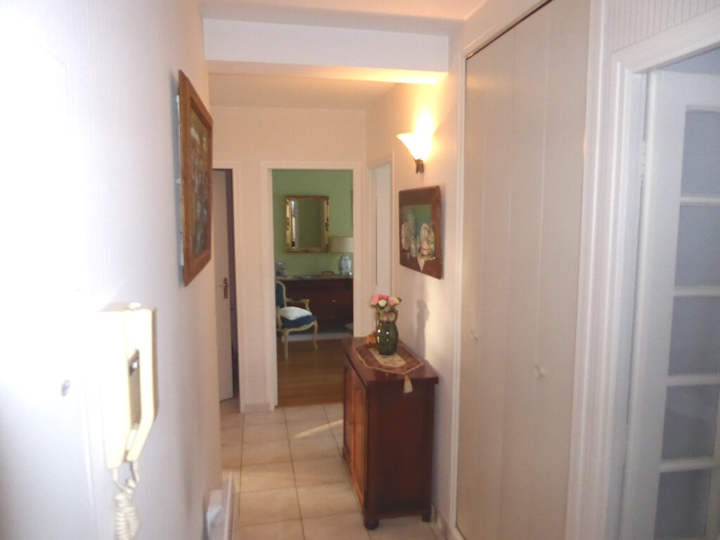 Appartement à vendre 2 53m2 à Clermont-Ferrand vignette-3