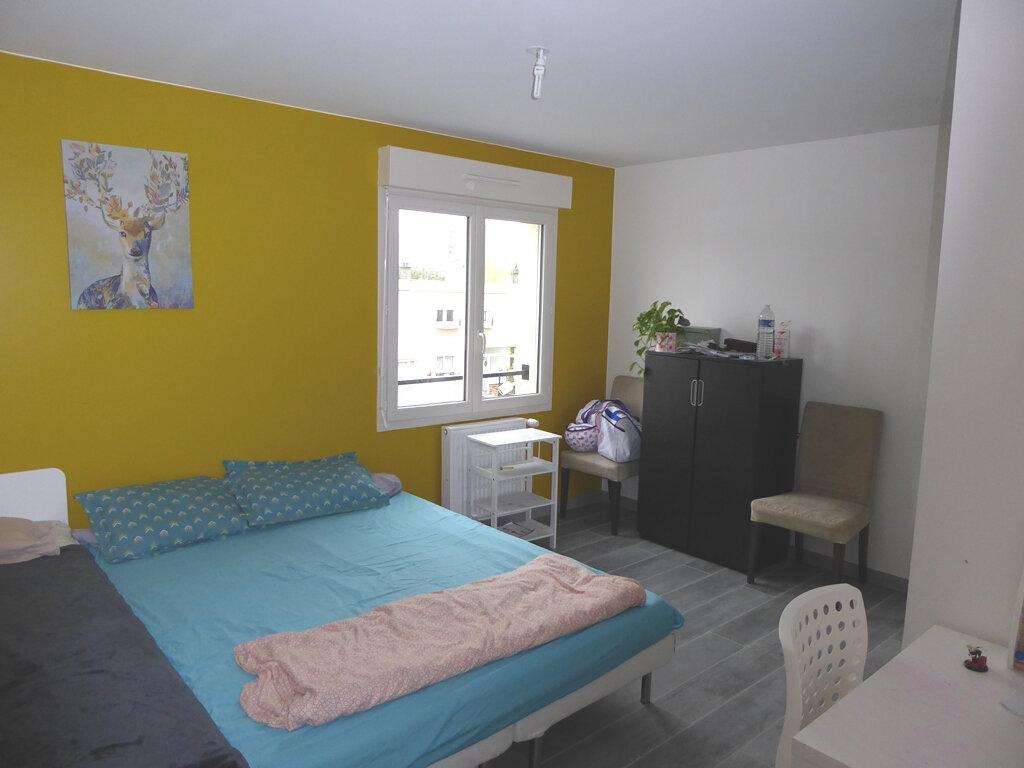 Maison à vendre 6 115m2 à Champigny-sur-Marne vignette-5