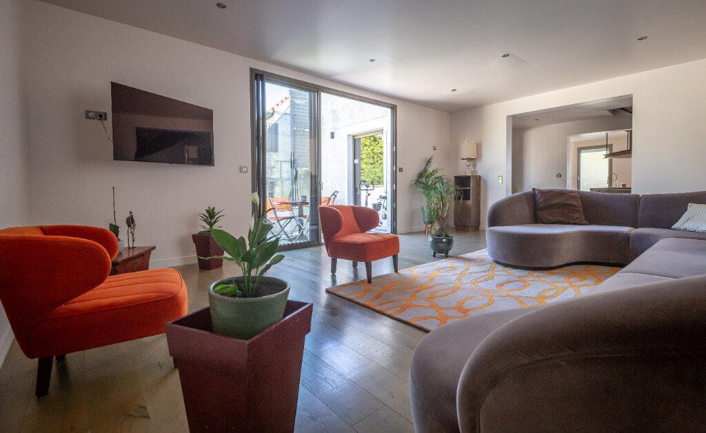 Maison à vendre 7 160m2 à Champigny-sur-Marne vignette-3