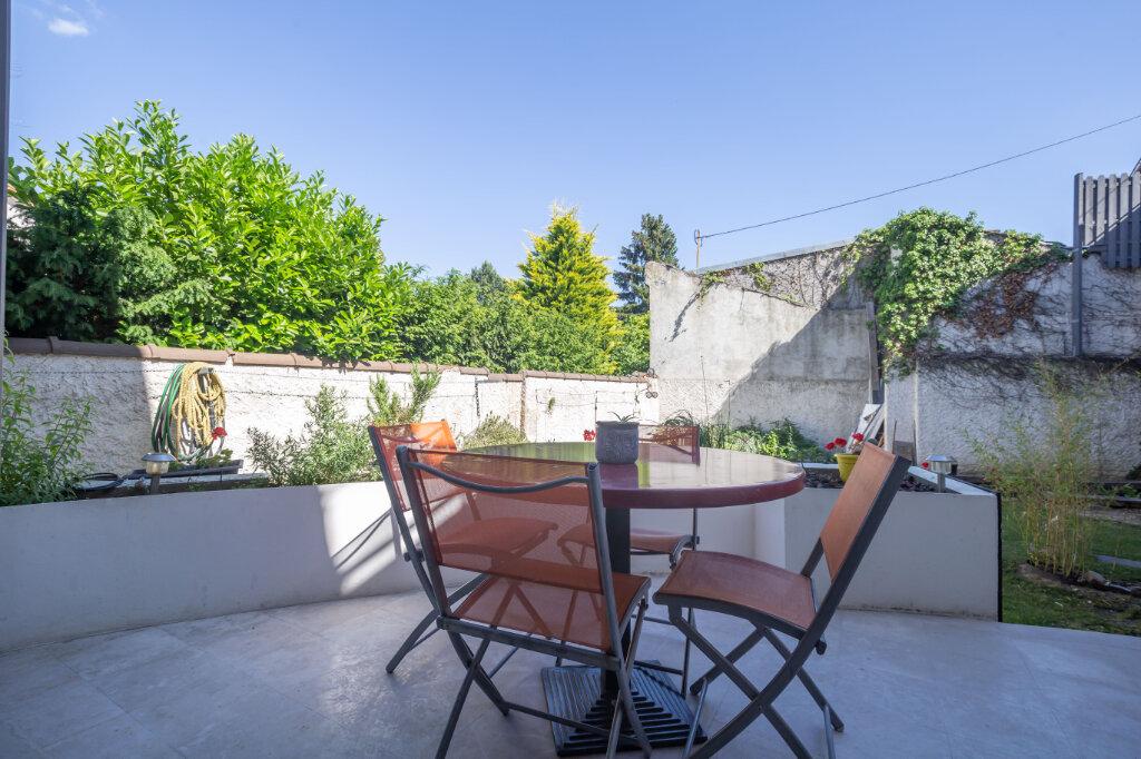 Maison à vendre 7 160m2 à Champigny-sur-Marne vignette-6