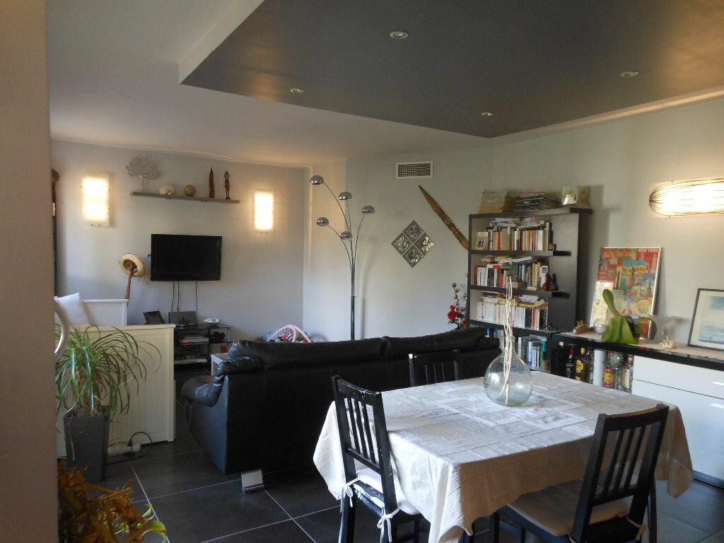 Appartement à louer 4 84.48m2 à Toulon vignette-1