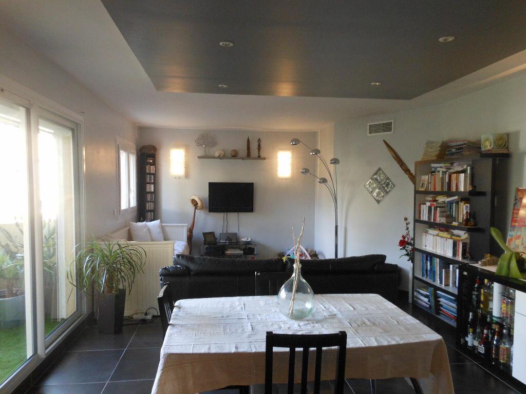 Appartement à louer 4 84.48m2 à Toulon vignette-2