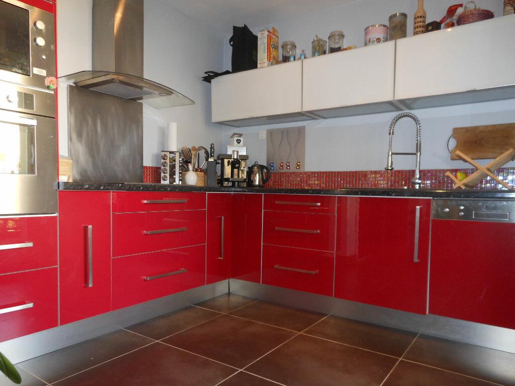 Appartement à louer 4 84.48m2 à Toulon vignette-4