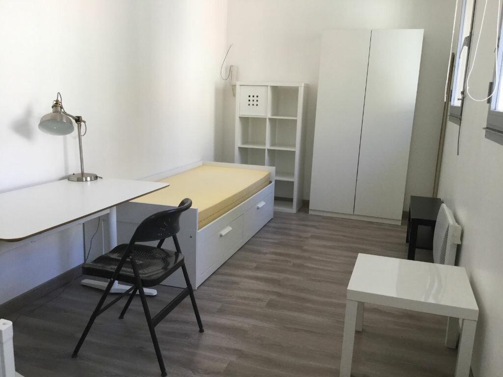 Appartement à louer 1 18m2 à Toulon vignette-1